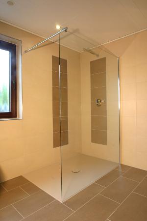 fliesen morgener gmbh braunschweig referenzen von uns ausgef hrte badezimmer. Black Bedroom Furniture Sets. Home Design Ideas